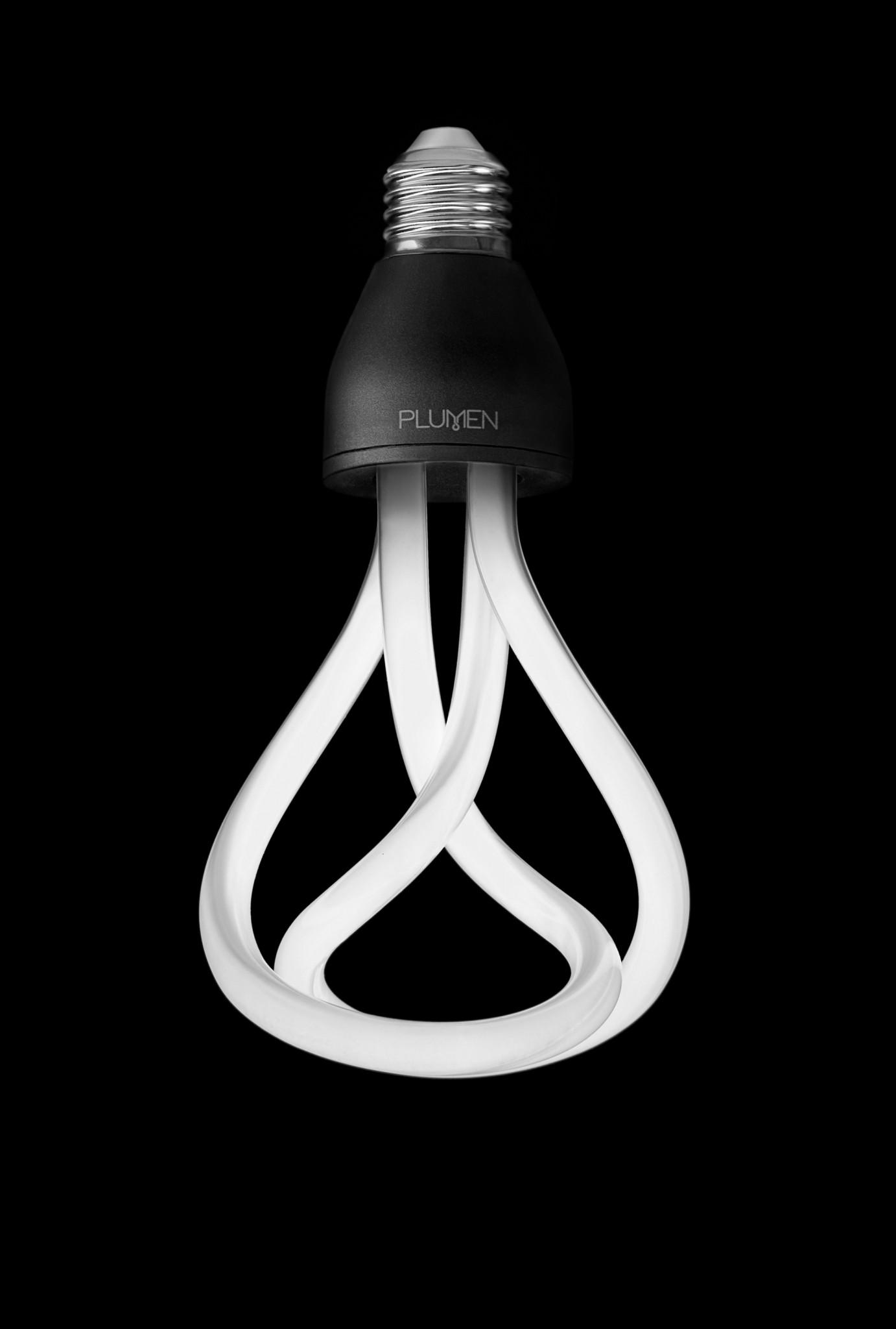 gl hbirne goes design plumen energiesparlampe biorama. Black Bedroom Furniture Sets. Home Design Ideas
