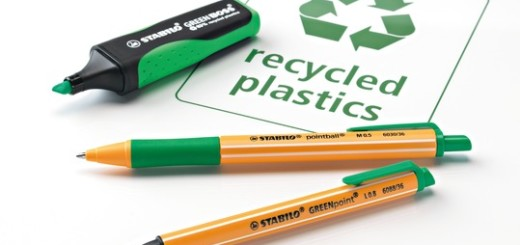 St_13941_GREEN_Recycled_Plastic_Family_PR