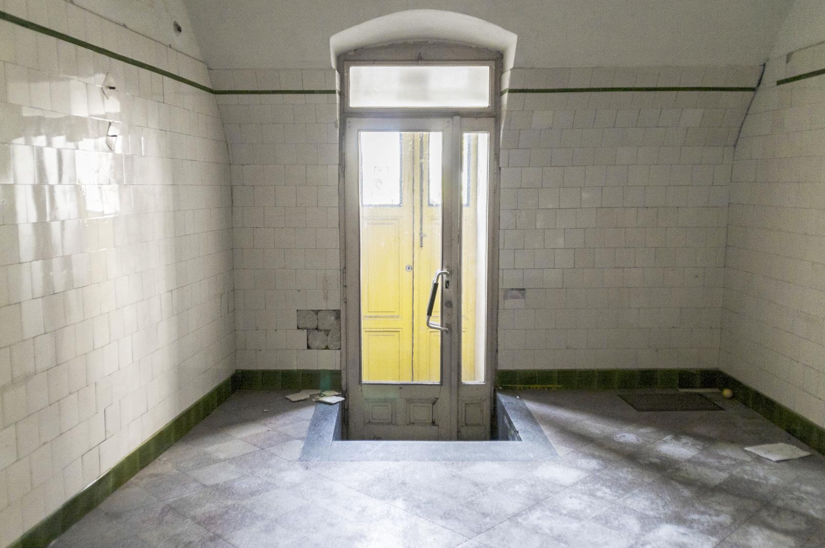 Noch sind die Türen geschlossen. Bild: