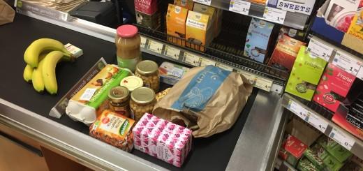 Einkauf im Bio-Laden: es stimmt, das muss man sich wirklich leisten wollen.