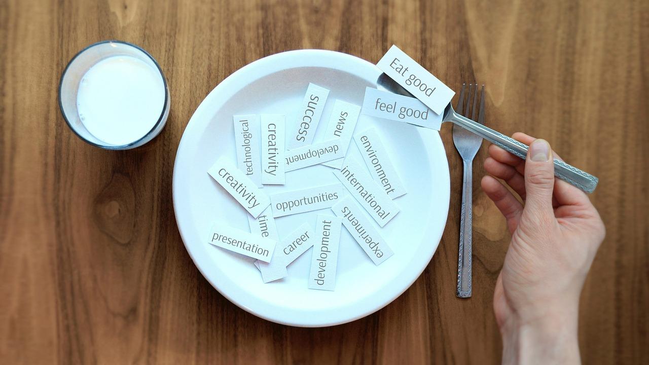 Du bist, was du isst. Im besten Fall tut die Ernährung auch noch der Umwelt gut. Bild: Mediamodifier, Pixabay.
